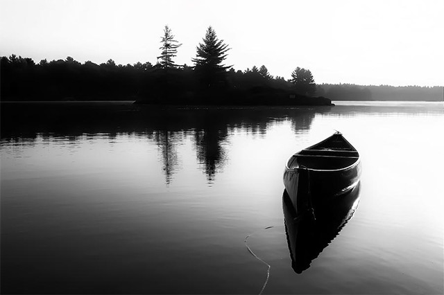 img-empty-canoe